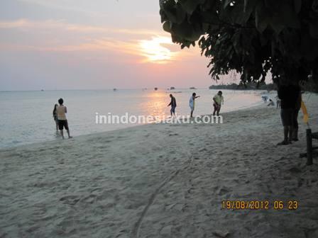 Pantai Pasir Perawan Pulau Pari 1