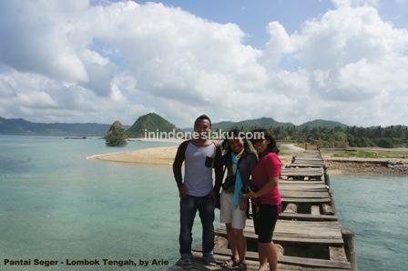 pantai seger lombok tengah 4