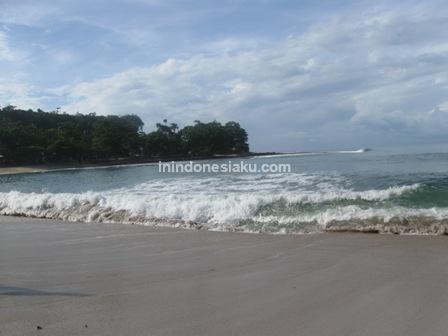 Pantai Rancabuaya 4