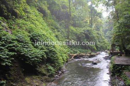 Air Terjun Kali Minahasa Manado 5