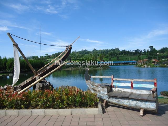 Floating Market Lembang Menikmati Santapan Kuliner Bandung