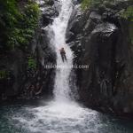 Air Terjun Aling Aling, Sensasi Berseluncur di Air Terjun