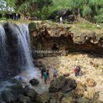Pantai Jogan Yogyakarta, Bingung Memilih Air Terjun atau Laut Jernihnya