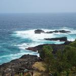 Pantai Menganti, Meniti Indahnya Tebing, Bukit & Pasir Putihnya