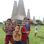 Wisata Sumba, Disambut Hangat Anak-anak Setempat