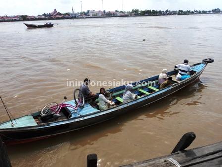 3. Perahu Sepit Sungai Barito