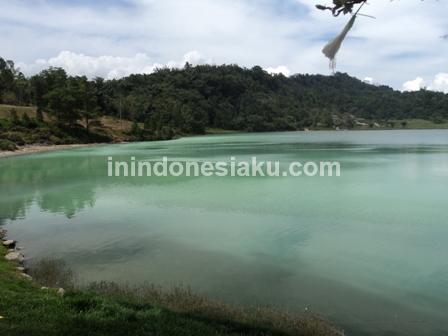 Danau Linow 2