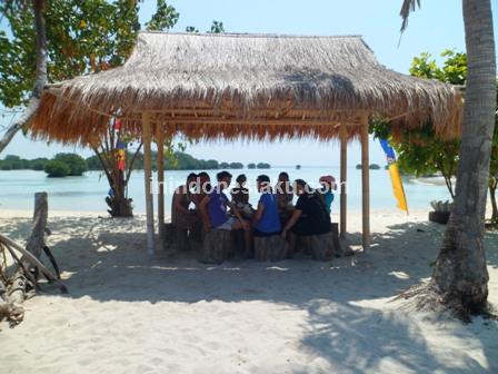 Pantai Pasir Perawan Pulau Pari 6