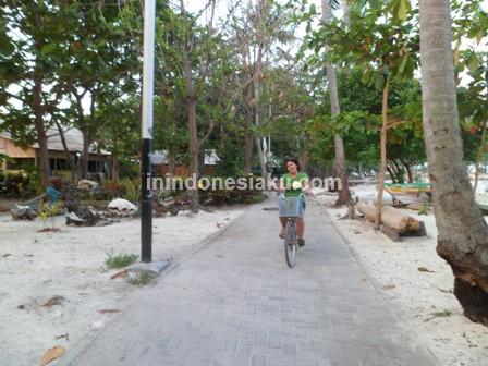 Pantai Pasir Perawan Pulau Pari 7